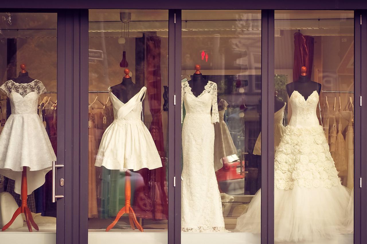 ccdd2dee59 Jak wybrać dobrą suknię ślubną